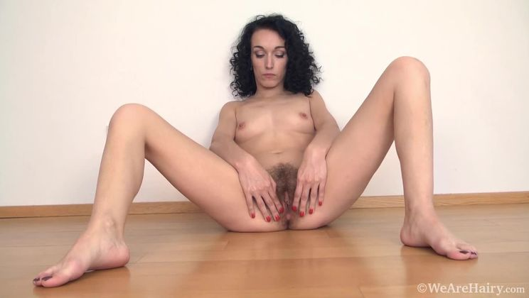 Cleo Dream exercises and then strips naked for us