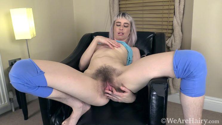 Esme enjoys masturbating after a long walk outside