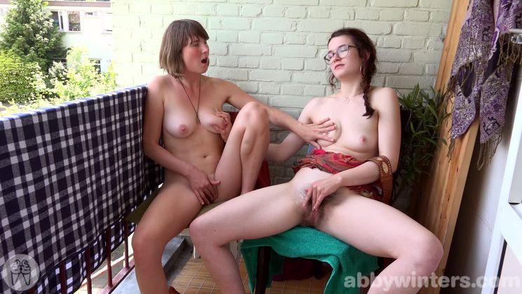Emilia & Lucie L